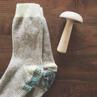 お気に入りのセーターに虫食い!? おしゃれに可愛くお直し「装飾ダーニング」始め方