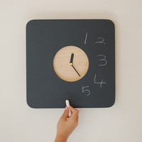 1日なんども目にするから。 自分好みの「壁掛け時計」を作ろう♪ ≪100均 DIY≫