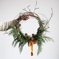 今年のクリスマスリースは決まった?簡単ハンドメイドや自然からの拾い物でつくってみよう