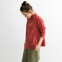 あったかくてほっとする。冬に着る「赤」の素敵なコーディネート