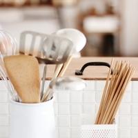 """""""100均""""でこんなに素敵に♪毎日立ちたい「キッチン」を作る簡単テクニック"""