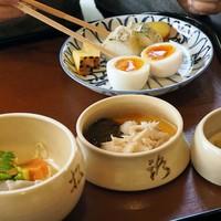 静かな京都を楽しむ。早朝から開門するお寺と、近くでいただく朝ごはん