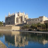 スペインの美しいリゾートへ。【マヨルカ島】をご案内します