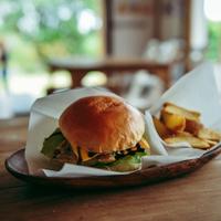 おひとり様でも行きたい!東京のおしゃれで美味しいハンバーガーショップ10選