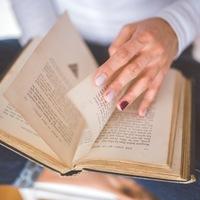 """""""本から得る言葉や知識""""増やしていこう。大人にこそお勧めしたい「読書」のいいこと"""