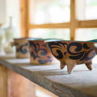 やちむん・琉球ガラス…昔ながらの素朴な工芸に触れる『沖縄』手仕事の旅