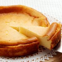 混ぜてポンッと入れるだけ♪ 炊飯器で作るおいしいチーズケーキ