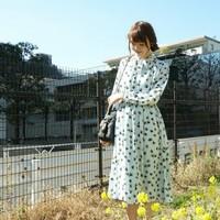 """春のお出かけは、花と緑いっぱいの""""ボタニカル柄""""できまり!最旬コーデ集"""