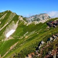 最後に大パノラマビューを。北アルプス最初の登山は「唐松岳」がおすすめ。