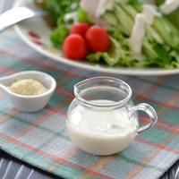 【油とお酢2:1】が基本です。毎日のサラダが楽しみになる手作りドレッシングレシピ