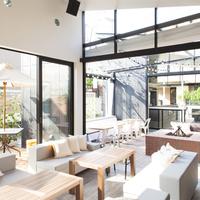ワンちゃんにやさしい街、鎌倉。ペットOKのカフェで一緒に食事を楽しみませんか?
