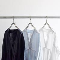 白、紺、青。「清潔感」を元に考える、大人の3大春色コーデ