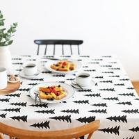 一枚敷くだけで雰囲気が変わる。テーブルリネンで食卓を簡単衣替え