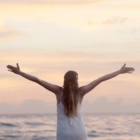 心にも体にも優しく、どんな気持ちも包み込む。毎日の中で「深呼吸」を意識しよう