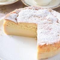 """混ぜて焼くだけで3層に♪フランスで話題の魔法のケーキ""""ガトーマジック""""を作ろう!"""