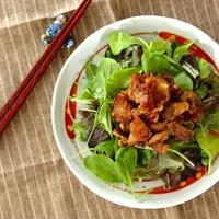 サラダをメインディッシュに。「野菜×お肉」の食べ応えのある満足レシピ♪
