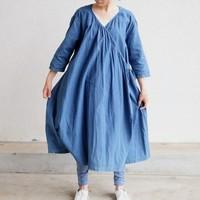 日本のブルー、美しい伝統技術を身に纏う。夏にぴったりの「藍染め」コーデ