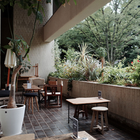 緑ゆたかな駒場公園内のブックカフェ。「BUNDAN(ブンダン)」で文学に親しむ一時を