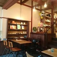 """コーヒーを飲みながらショッピング。京都・""""カフェ併設""""の素敵なものに出合えるお店"""