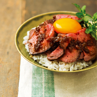"""夏バテ気味の体にお肉でスタミナをつけよう!おいしさモリモリ""""肉丼""""レシピ集"""
