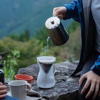 気持ちのいい季節は野外で至福の一杯を♪アウトドアコーヒーのおすすめアイテム&アイデア集