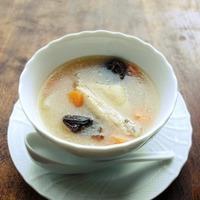 夏バテや冷房で冷えた体にやさしい「サムゲタン(参鶏湯)」でスタミナアップ!