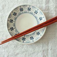 シンプルで素敵な取り皿で、おいしくて楽しい食卓を