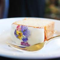 花と緑と美味しいお料理。癒しの時間を過ごせる都内の【お花屋さん×カフェ】5選