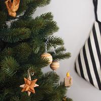 身近な素材で簡単手作り。ツリーを彩るクリスマスオーナメント*