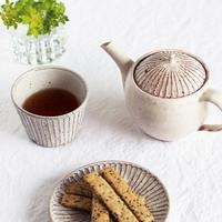 優しい質感の陶器。山田雅子さんの作る食器を紹介します。