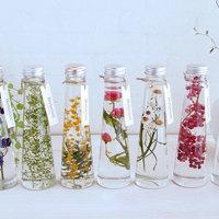 水中でゆらめく美しい草花♪植物標本「ハーバリウム」の癒しの世界