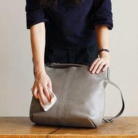 ずっと長く大切に使いたいから。「革バッグ」のお手入れ・メンテナンス方法