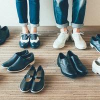 オシャレは足元から。クラシックな秋冬コーデに合わせたい素敵な『革靴ブランド』7選