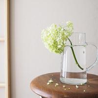 さりげなくお部屋にお花を飾ってみませんか♪~素敵な花瓶と生花のある豊かな暮らしを