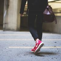 日常の「歩き」を運動に!正しい歩き方と効果を上げるための意識ポイント5つ
