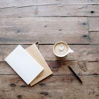 「手書きって嬉しい」遠くにいる家族や友人に、久しぶりに手紙を書いてみませんか。