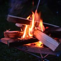 ゆったりと、スローな時間を。秋冬のキャンプに【焚き火】のススメ