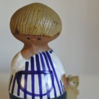 愛嬌のある表情がたまらない。集めたくなる、ヴィンテージ人形&オブジェ。