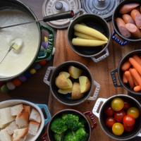 わが家で簡単【チーズフォンデュ】基本のつくり方とオススメ食材♪