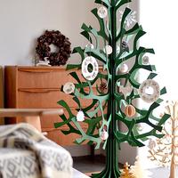 今年はどんな飾りつけにする?クリスマスリース・ツリーで素敵なインテリアをつくるコツ