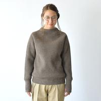 冬ファッションの定番シンプルニット。自分に似合う「セーター」の選び方&着こなしコーデ