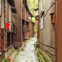 まるでタイムスリップしたみたい。新潟県・佐渡にある「宿根木」の美しい町並み散策