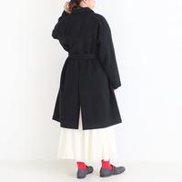 冬コーデのアクセント。靴下、マフラー、バッグでこっそり「赤色の忍ばせ方」