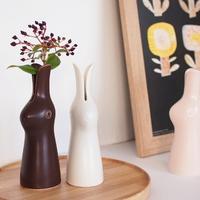 お部屋にうるおいを。お花一輪でもサマになる、デザイン力のある「素敵な花瓶」