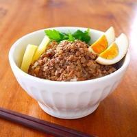 屋台のおばちゃんの味をご家庭で!やみつきになる美味しい《台湾ごはん》レシピ