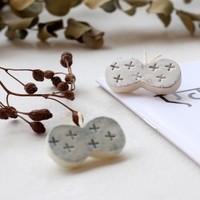 まるで陶器のよう♪「石塑粘土(せきそねんど)」で作るアクセサリーの作り方
