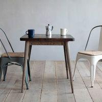 センス良く見えるよ。カフェテーブルで居心地の良い空間をつくろう。