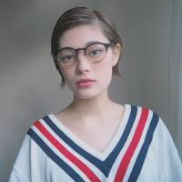 めがね女子デビューしてみない?「メガネ」とヘアメイクの気になる関係