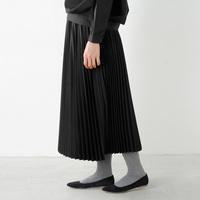 ガーリーなのに大人っぽい*薄軽プリーツスカートで女性らしいコーディネートを楽しもう