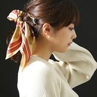 バンダナ・スカーフを使って無造作っぽく。ゆるいヘアアレンジが楽しい♪